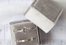 Basic Wedding Ring Box by L'AMORE