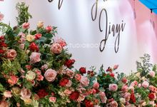 Pinkish Red and Gold Wedding by Glitz&Glam Studiobooth