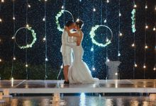 Unexpected Rainy Romantic Wedding In Bali by Mariyasa
