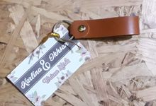 Simple Keychains on Karlina's Wedding by Aracraft