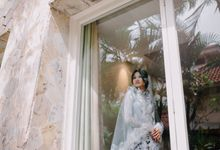 Pernikahan Tradisional Jawa dengan Nuansa Dedaunan yang Intim di Tengah Jakarta by Le Famille Photography