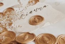 Place Cards with Seals by WeWax.Id