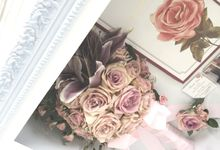 Edwin & Ivana Pinkish Bouquet by CONSERVÉ FLOWER PRESERVATION