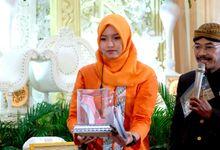 Wedding at Gedung Graha Sativa Kranggan by Handy Talky Rental bbcom