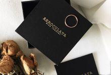 Indri - 18ct Fine Gold Custom Skinny Ring by AEROCULATA