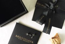 Gracia - 18ct Fine Gold Dots Earrings by AEROCULATA