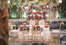 Palembang Wedding with Garden-Themed Decoration by Menara Mandiri (Ex. Plaza Bapindo) by IKK Wedding