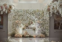 Andry & Violine`s Decoration by Menara Mandiri (Ex. Plaza Bapindo) by IKK Wedding