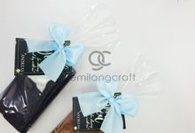 b-holder packaging ribbon for fiola & andreas by Gemilang Craft