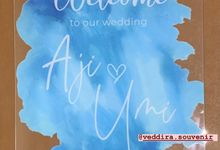 wedding sign by Veddira Souvenir