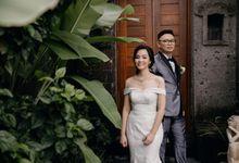 Momen Perayaan Sakral Penyatuan Cinta Di Tengah Musim Yang Baru a la Randy dan Debbi by Lentera Wedding
