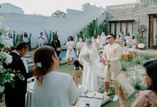Outdoor fun wedding with nice suit! by Jas-ku.com