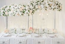 White Blossom Table Setting by Alleka Design