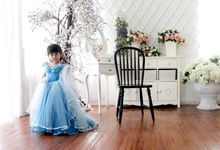 Kaylee Family Photoshoot by Stella Lunardy Couture & Bridal