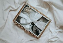 Printed Photos Packaged in Exclusive Glass Box by William Saputra Photography