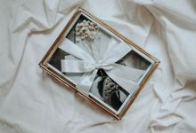 Printed Photos Packaged in Exclusive Glass Box by williamsaputra