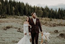 Boho wedding in Banff by The Wanderer