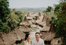 Destination Prewedding of Amelia & William in Raw and Ethnic Sumba by fire, wood & earth