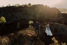 Lovestruck Prewedding Session of Tinder Couple Wilona & Grendi in Bali by FIRE, WOOD & EARTH