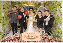 The Wedding Of Dody & Vita by Indigo Photobooth