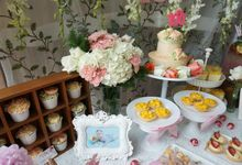 Baby 100 Days Floral Dessert Table by Yoyosummer