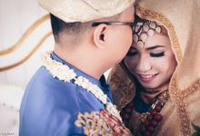 Yanuar & Azizah by Pay Rafly Photograph