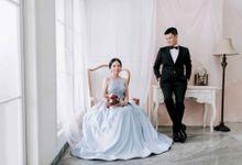 Gran & Floretta Indoor Prewedding by Levin Pictures