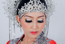 Close-Up Make Up by Hanietouch
