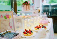 Baby girl 100 days party dessert table by Yoyosummer
