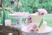 Floral wedding cake & desserts by Yoyosummer