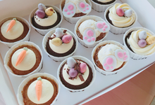 Buttercream cupcakes - customised/flowercupcakes by Yoyosummer