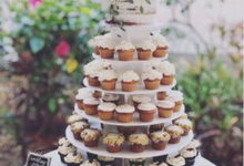 Wedding cake & cupcake tower by Yoyosummer