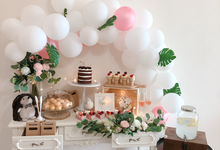 Forest Dessert table with organic balloons by Yoyosummer