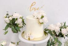 White wedding dessert corner by Yoyosummer