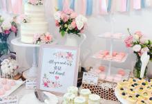 Wedding dessert table at Lewin Terrace  by Yoyosummer