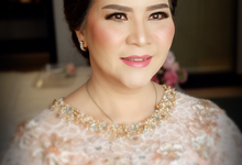 Mom of the Bride  by makeupbyyobel