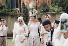 ntimate Wedding with Neon Accent for Yoga & Widya by Elior Design
