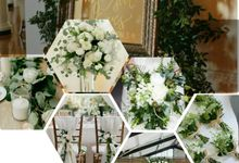 Pre Wedding Shoot Bouquet/ Photography by Dorcas Floral