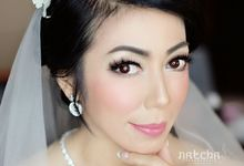 Ms Yuni Virginia Wedding Makeup Hairdo by Natcha Makeup Studio
