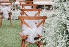Pernikahan Perpaduan Nuansa Jawa dan White Rustic Theme ala Astrif & Edo by Laguna Park