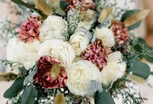 White Beauty Wedding theme by Our Story