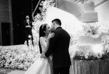 Our Simple Yet Stunning Wedding Day by Skenoo Hall Emporium Pluit by IKK Wedding