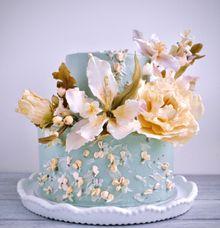 Gorgeous sugar lilies & sugar peonies cake by Haute Cakes Singapore