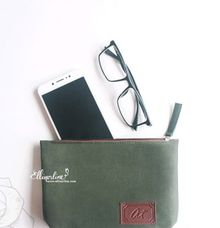 Canvas Trapeze Pouch Regular by Ellinorline Gift