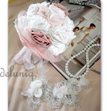 pink bw handbouquet by deluniq bride