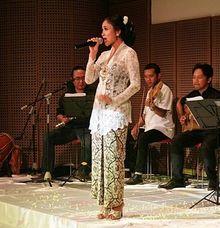 Sruti Respati Feat JJOK - Sapulidi by  Jempol Jenthik Orkes Keroncong