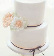 The Wedding Cake of Asleigh & Kylie by Creme de la Creme Bali