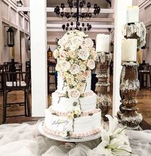 Vintage & Opulent Wedding Cake by Febspantry