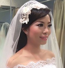Wedding make up by Tracy Bridal House