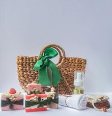 Premium Hampers Set by The Rustic Soap